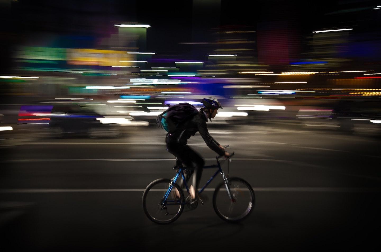 Pour le salariat des livreurs à vélo
